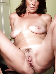 Blondie slut in ideal shape