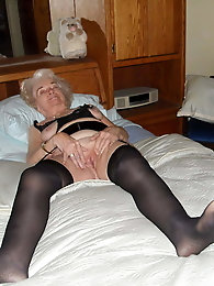 Very old granny is still a good whore