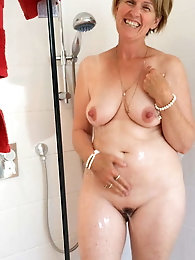 Horny mature mommies with hairy slit