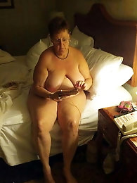 Russian aged girlfriend gets nude