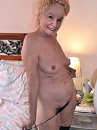 Old granny - Mature - grandma - old lady - amateur oma